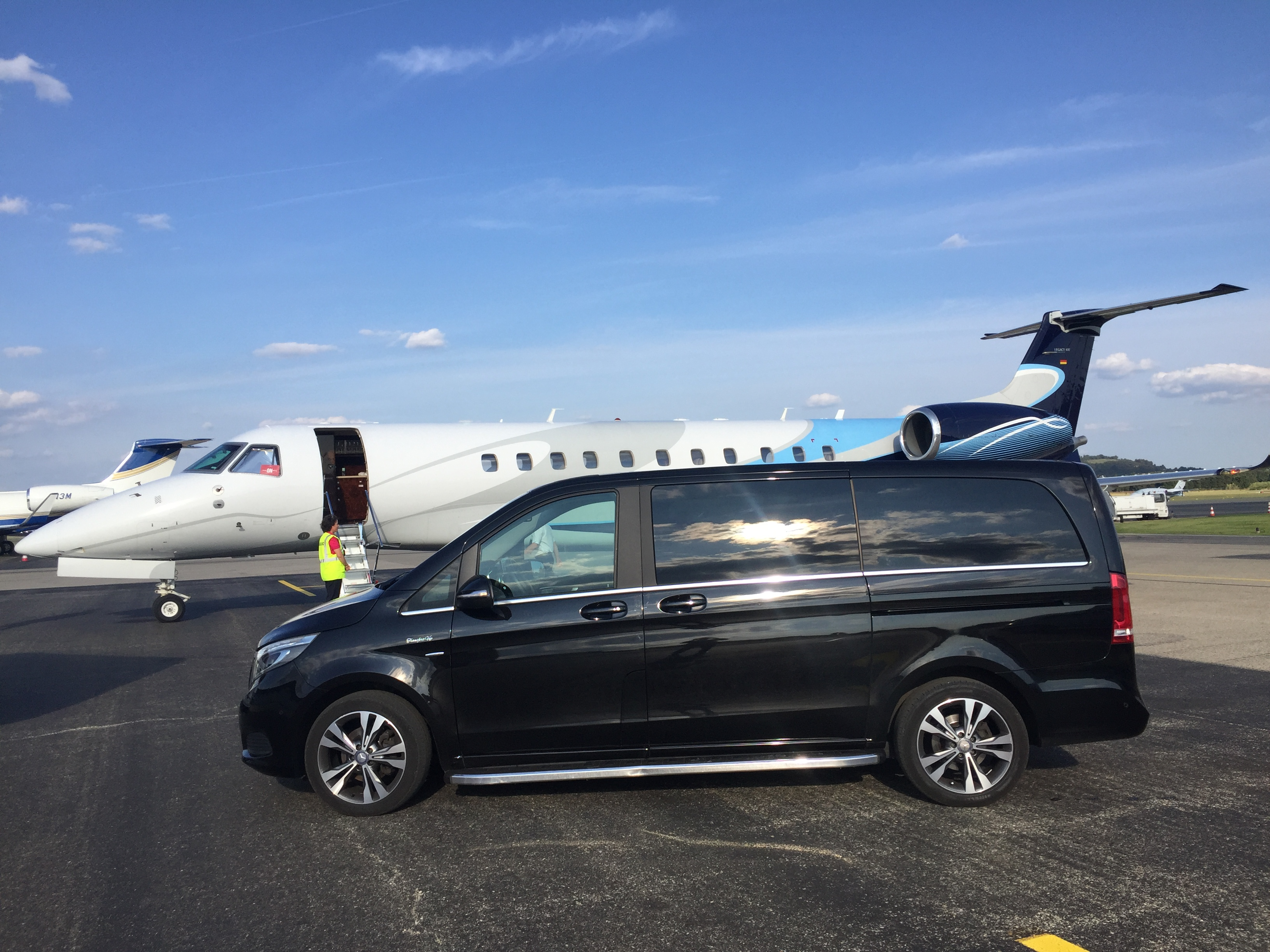 your Minivan hire for your pick up at the airport