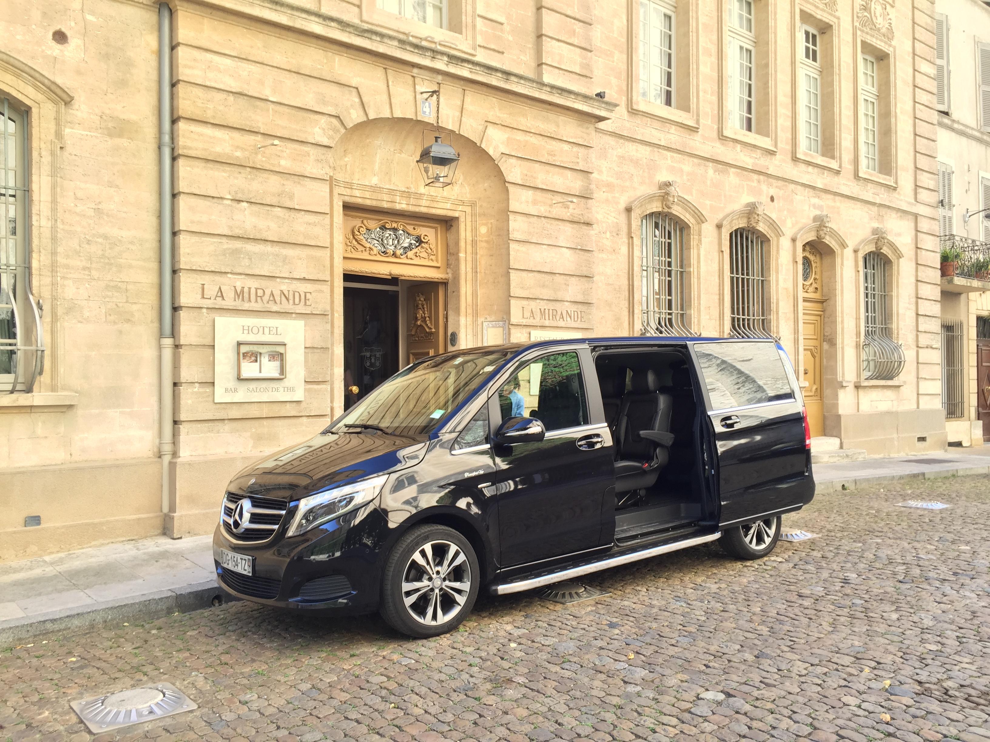 voiture avec chauffeur à Nîmes
