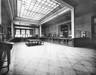 Corbeil-SD-Int-Hall du public.jpg