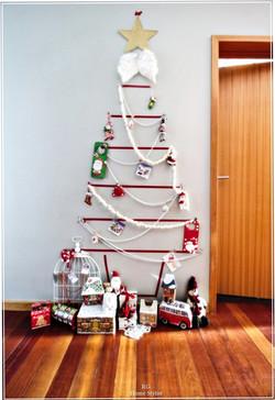 Kids wall tree