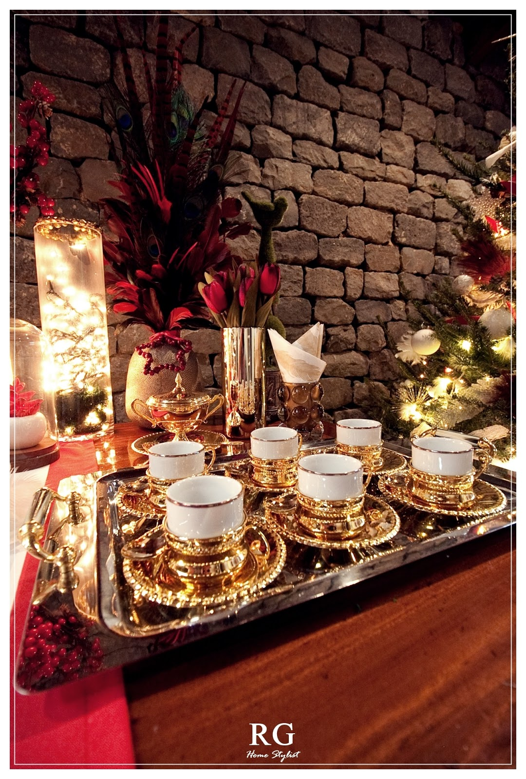 Glamorous red & gold Christmas