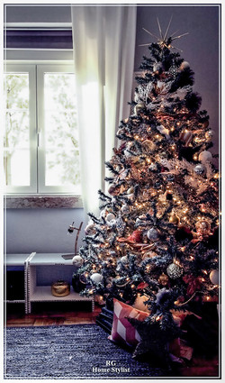 White & Gold Christmas tree