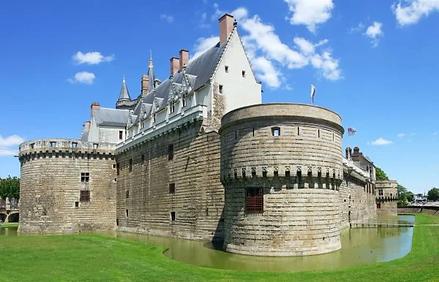 039137-nantes-visite-guidee-nantes-medievale.webp