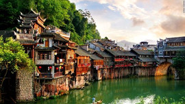 130826171128-amazing-sights---fenghuang-
