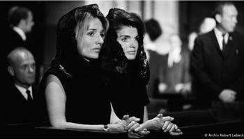 Jackie Kennedy and Lee Radziwill, New York 1968