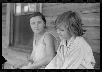 Walker Evans   Elizabeth and Ida Tengle, Hale County, Alabama