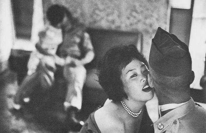 Women entertaining GIs, South Korea (1961)