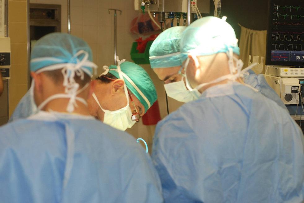 כירורג פה ולסת, מנתח פה, מנתח פה ולסת, ניתוח לסת, ציסטה בשן בינה, הרמתפ