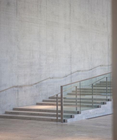 Lumière sur l'escalier