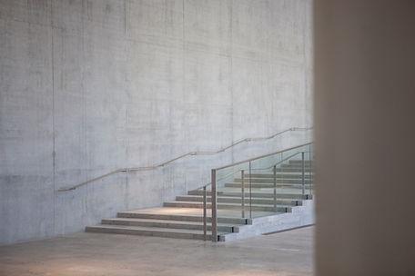 階段上のライト