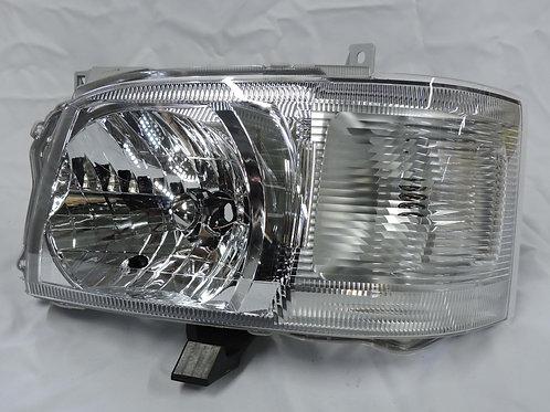 Toyota Quantum 2007 Headlight (RH)