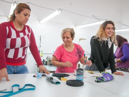 Mujeres detenidas en la Unidad 8 de Los Hornos participan de un proyecto laboral y de cuidado del me