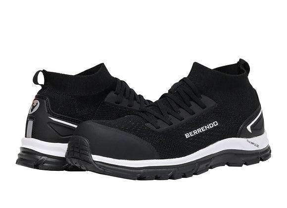 Tenis Berrendo 7715 de color negro con punta redondeada, agujeta en empeine, línea a contraste y suela antiderrapante