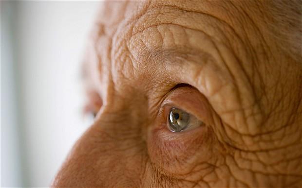 elderly_2839143b.jpg
