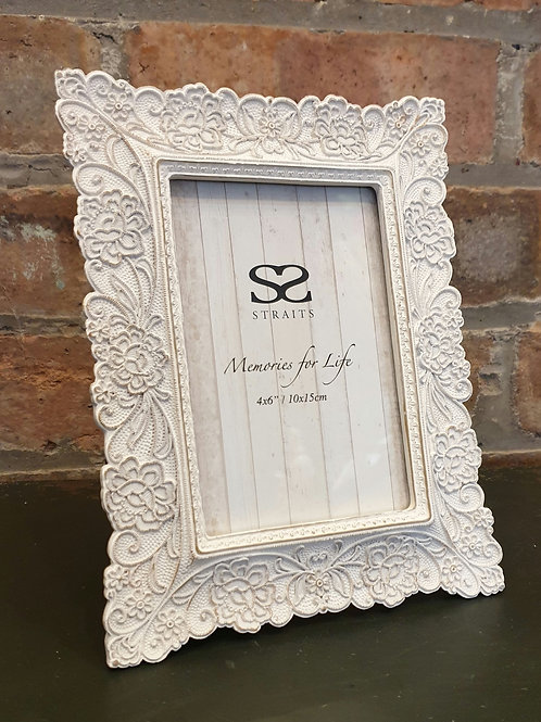 Cream Floral Photo Frame