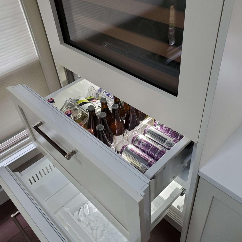 sub zero fridge and freezer drawers
