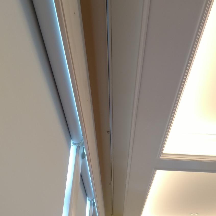 Roller Shade Down