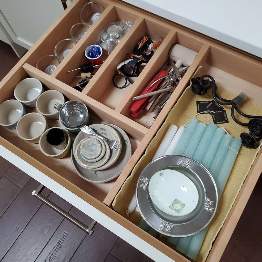 drawers with dividers