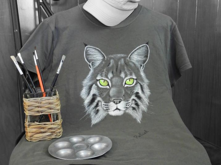 Playeras pintadas a mano | Hand-painted shirts
