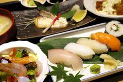 魚益 (うおます)青島フィッシャーマンズビーチサイドホステル &スパ