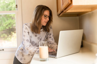 How to Stick to a Schedule When You Work From Home