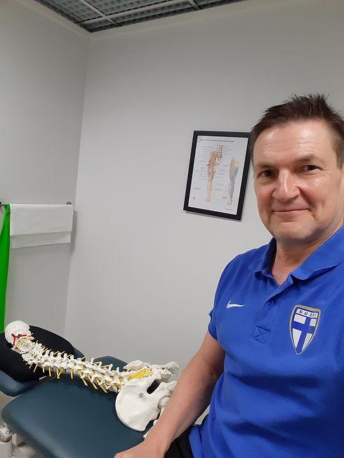 Osteopaatti ja urheiluhieroja Veli-Pekka Karstela Töölö