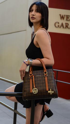 EJ Pretty Ivy Handbag