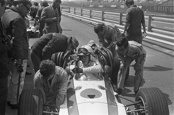 Grand_Prix_68_Zandvoort_training._Nummer