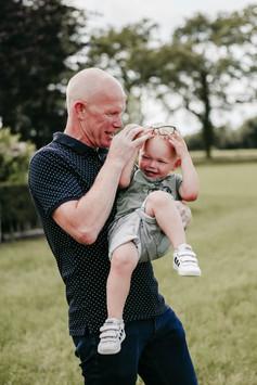 Opa en kleinzoon fotoshoot.jpg