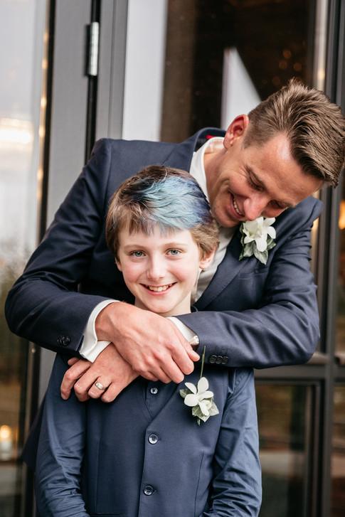 Bruidegom en zoon