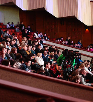 people-sitting-watching-in-the-theater-3