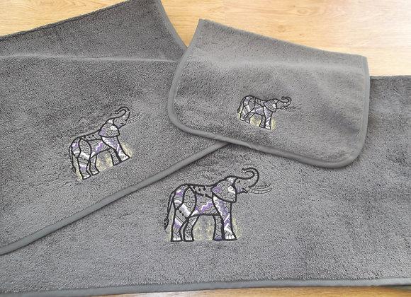 ST. PIERRE ELEPHANT EMBELLISHED TOWEL