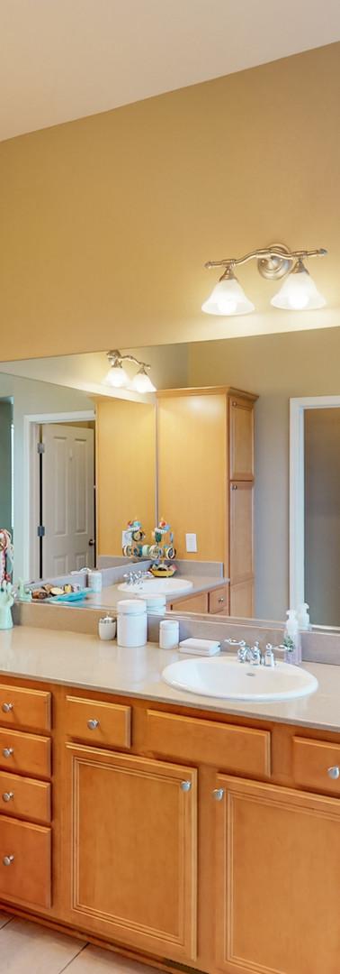 Master Bathroom - 1.jpg
