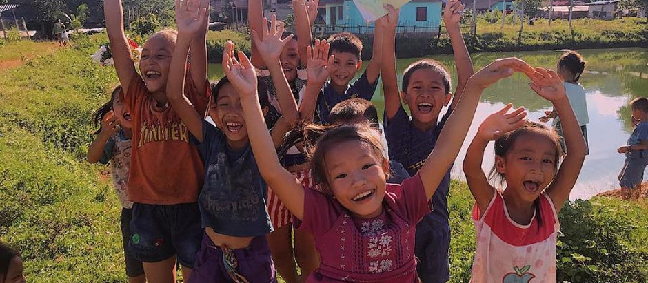 The people of Laos - by Carolina (volunteer)