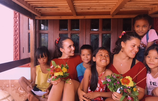 A day in Aay's Village - by Mariana (volunteer)