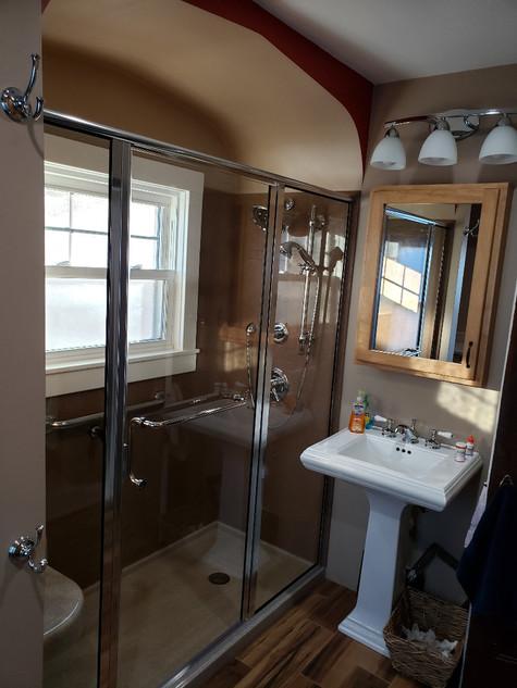Bathroom 11.jpeg