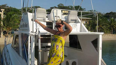 PADI Divemaster interships in Roatan involve boat crew work
