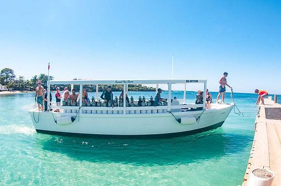 A quality dive boat in Roatan