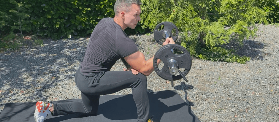30 EZ BAR EXERCISES TO USE IN YOUR HOME WORKOUTS