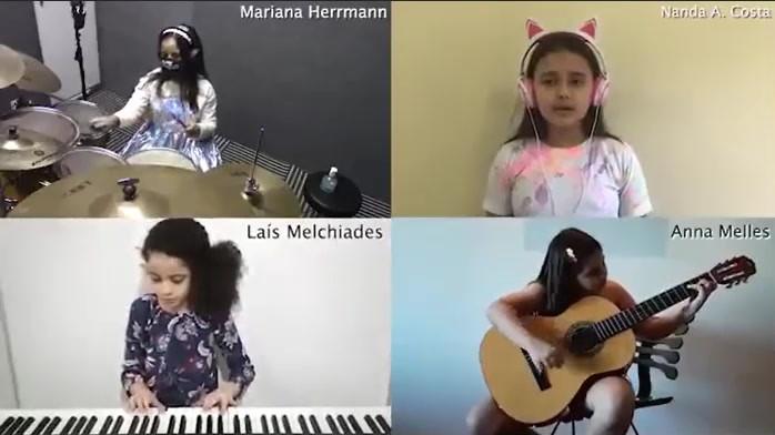 Mariana, Fernanda, Laís e Anna - 4º Ano
