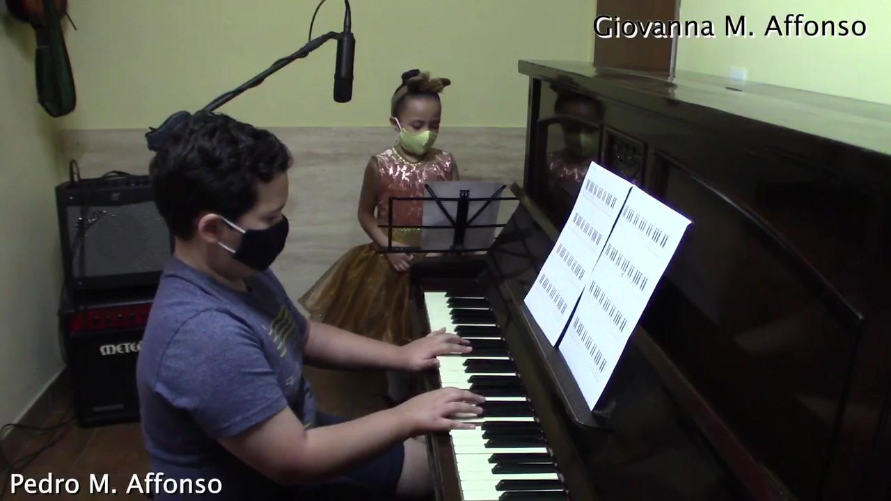 Giovanna Afonso 1º Ano e Pedro Affonso 4º Ano