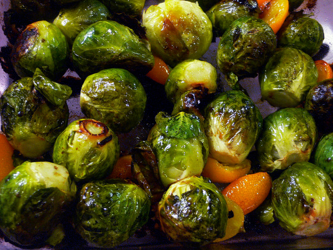 Recipe (High fiber side dish): Garlic Lemon Roasted Brussels Sprouts