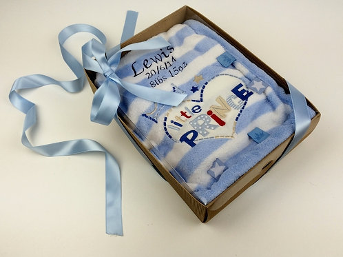 Personalised Little Prince/Little Princess Blanket in Cupcake Gift Box.