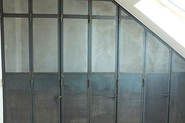 porte de placard en acier style industrielle férronier montreuil