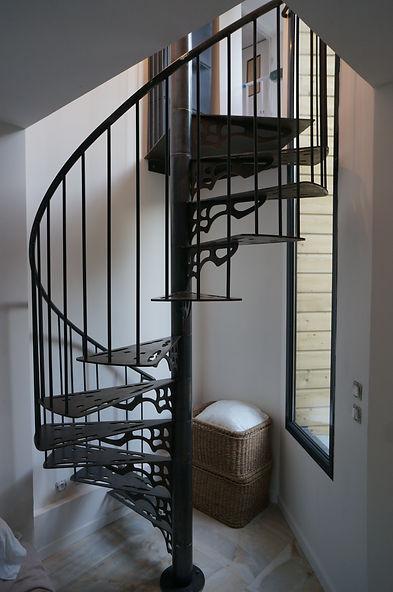 escalier helicicoidal colimaçon sur mesure ferronnier montreuil 93
