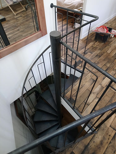 escalier colimaçon industriel montreuil 93