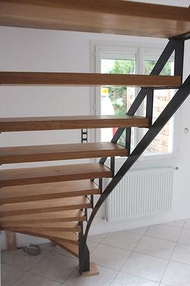 escalier industriel sur mesure métal et bois ferronnier 93