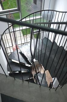 escalier en metal limon central ferronnier montreuil 93