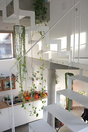 escalier sur mesure en métal blanc métallier paris