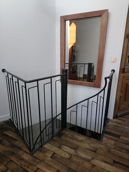 escalier colimaçon en metal sur mesure paris 92